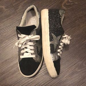 Black Sneakers with stars